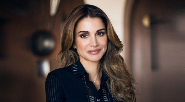 Photo of الملكة عبر تويتر: عيد عامر بالمحبة والخير والطمأنينة لنا جميعا