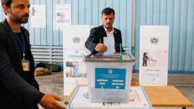 Photo of الأفغان يدلون بأصواتهم في انتخابات رئاسية محفوفة بالمخاطر
