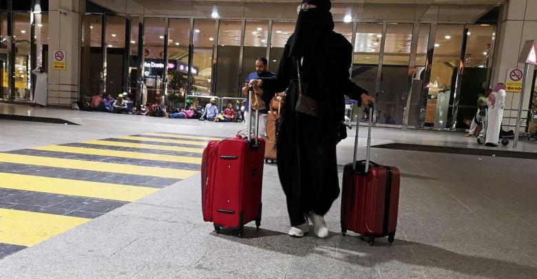Photo of السعودية: السماح للمرأة بأن تقيم في غرفة فندقية دون محرم