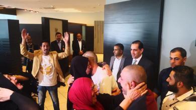Photo of وصول الأردنيين المفرج عنهما في ليبيا إلى عمّان (صور)