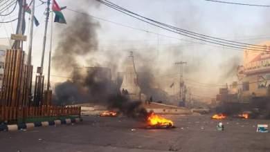 Photo of الرمثا: تجدد أعمال الشغب احتجاجا على منع إدخال السيارات السورية للأردن