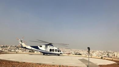"Photo of وصول طائرة تحمل مصابي ""طعن جرش"" إلى المدينة الطبية"