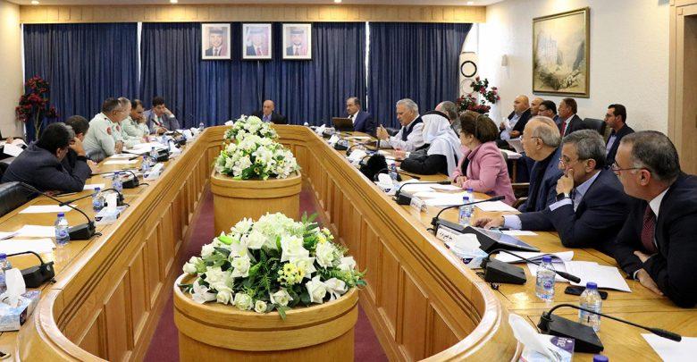 من اجتماع اللجنة المشتركة (القانونية والإدارية) في مجلس الأعيان - بترا