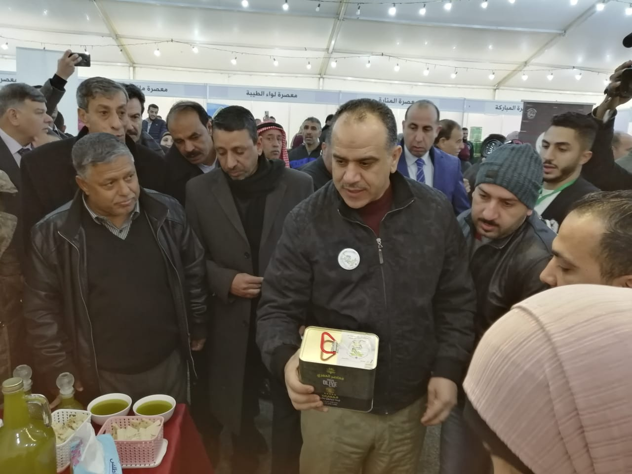 وزير الزراعة المهندس إبراهيم الشحاحدة خلال افتتاح مهرجان الزيتون السادس