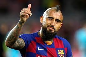 لاعب برشلونة التشيلي أرتورو فيدال