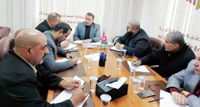 لقاء صحفي نظمته جمعية مصدري ومنتجي الحجر الطبيعي والبلاط الأردنية (جوستون) أمس - (من المصدر)