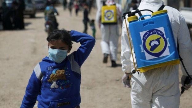 تخشى المنظمات الإنسانية تفشي الفيروس وسط النازحين