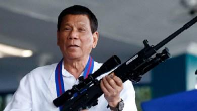 """Photo of رئيس الفلبين لمنتهكي إجراءات العزل: """"سأدفنكم"""""""