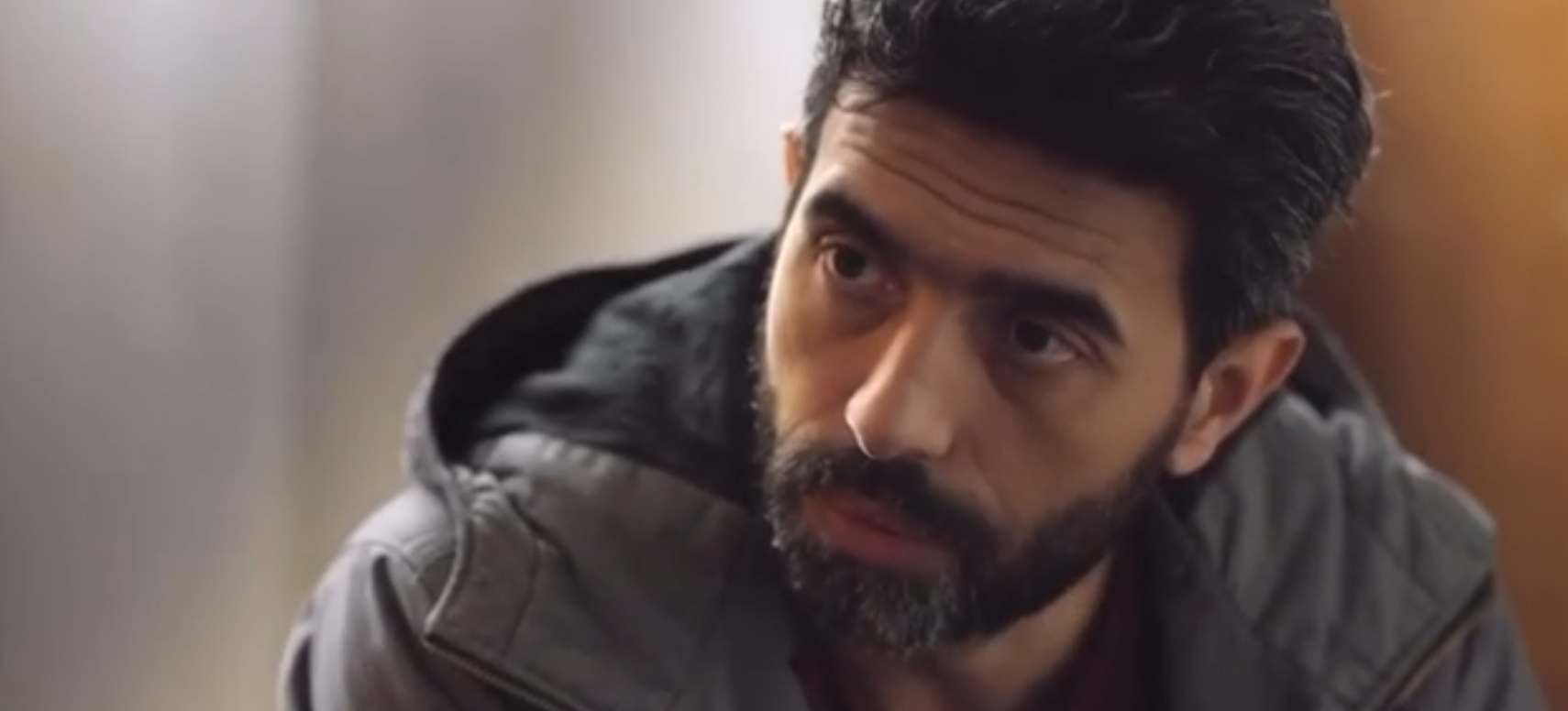 """عمرو عابد يبحث عن والدته في الحلقة الأولى من """"القمر أخر الدنيا ..."""