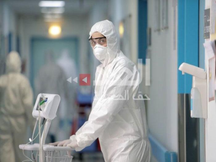 إحد كوادر قسم عزل كورونا في مستشفى الملك المؤسس (تصوير محمد مغايضة)