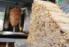 Photo of مطاعم شعبية تطالب الحكومة برفع أسعار الشاورما