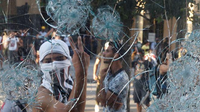 مجانب من المظاهرات في لبنان