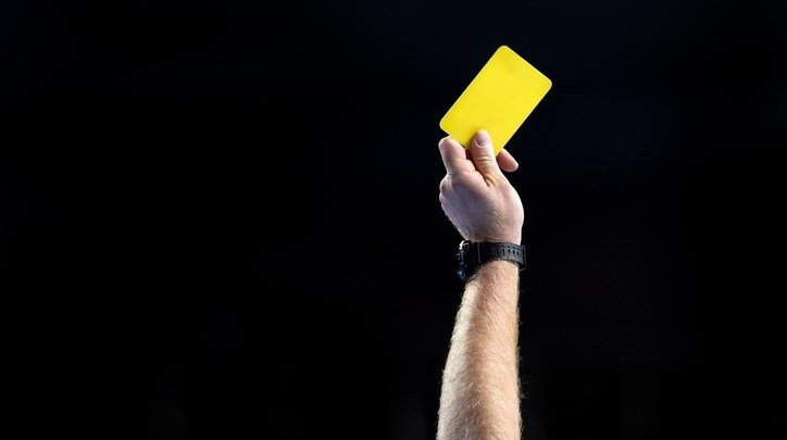 "Photo of ""يويفا"" يرفع جميع البطاقات الصفراء بعد ثمن نهائي بطولتيه القاريتين"