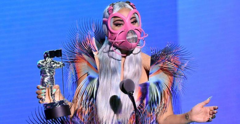 """Photo of ليدي غاغا حصدت جوائز """"ام تي في"""" للأغنيات المصورة في احتفال افتراضي"""
