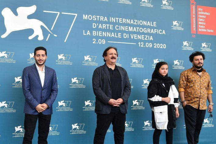 طاقم الفيلم الايراني صن شيلدرن في مهرجان البندقية - ا ف ب