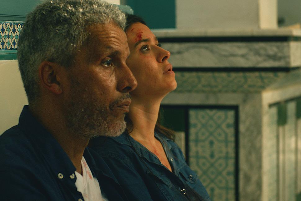 مشهد من فيلم بيك نعيش