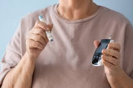 Photo of علامات تحذيرية لارتفاع مستويات السكر في الدم