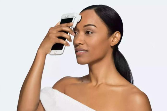 Neutrogena computer vision-driven camera to scan customer's skin