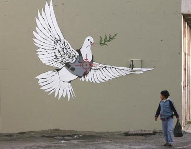 banksy-graffiti-wallpaper-dove-of-peace-for-palestine.jpg