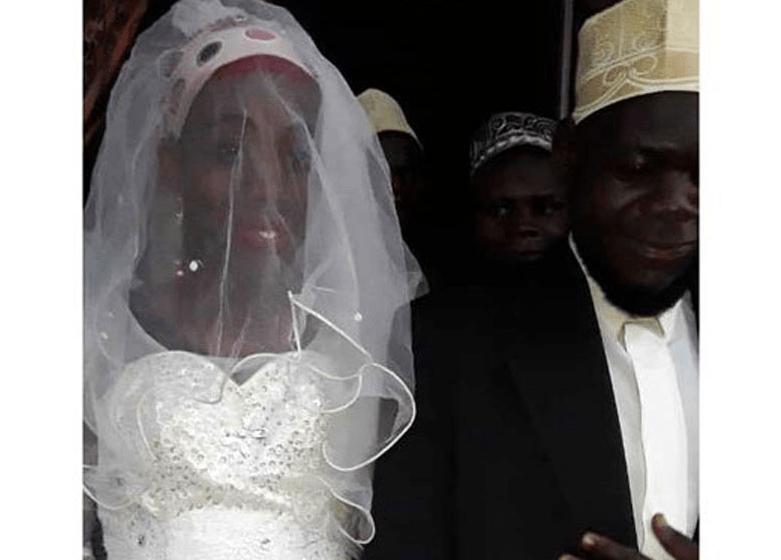 اوغندي يتزوج رجل
