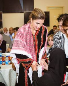 """, الحياة : الملكة رانيا """"صانعة السعادة"""" عندما تحضرين يكتمل الحضور .. صور"""