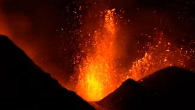"""شاهد: لحظة قذف بركان """"إنتا"""" حمم بركانية - صحيفة هتون الدولية"""