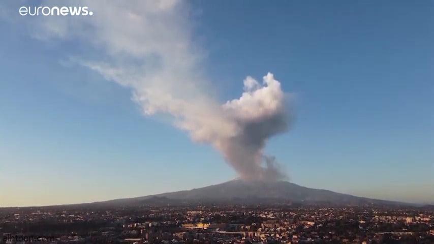 شاهد: بركان يحول سماء جزيرة صقلية إلى الرمادي - صحيفة هتون الدولية