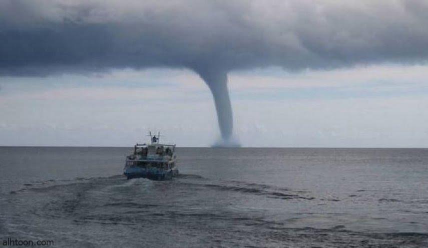 شاهد: نجاة سفينة من شاهقة مائية - صحيفة هتون الدولية