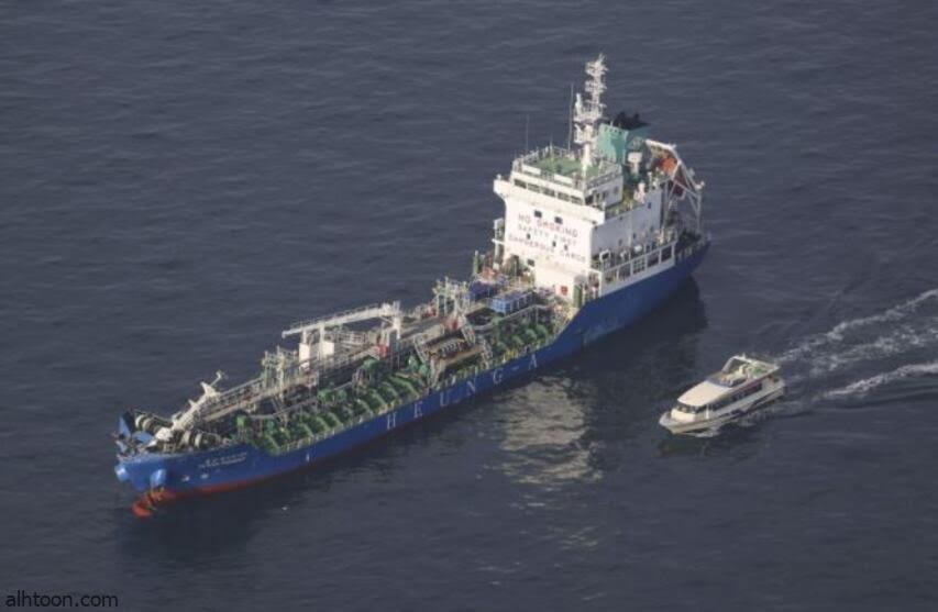 شاهد: سفينة تغرق في عرض البحر - صحيفة هتون الدولية