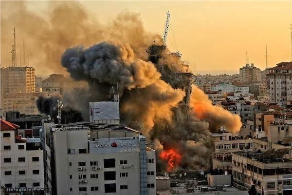 """فيديو: تدمير برج الجلاء بـ""""غزة"""" - صحيفةهتون الدولية"""