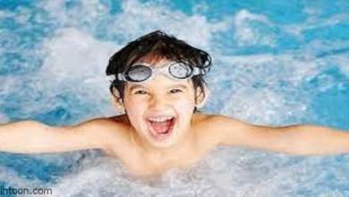 ممارسة رياضة السباحة للأطفال -صحيفة هتون الدولية