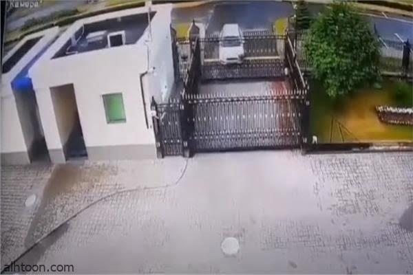 اقتحام سيارة للسفارة الروسية - صحيفة هتون الدولية