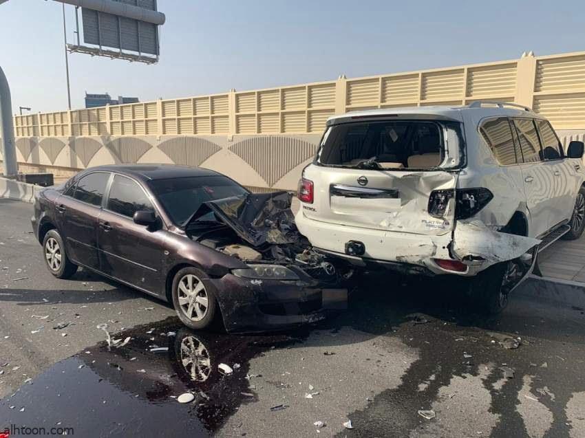 شاهد: حادث مروع بين مركبة وشاحنة - صحيفة هتون الدولية
