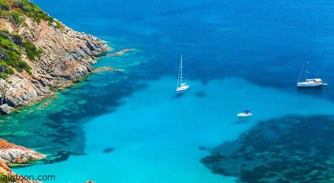"""السياحة في جزيرة """"كورسيكا"""""""