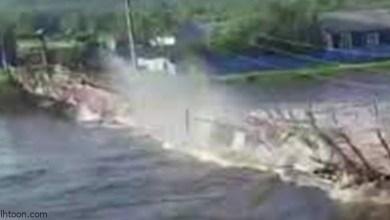 انهيار جسر معلق لحظة عبور شاحنة - صحيفة هتون الدولية