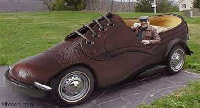سيارة غريبه على شكل حذاء -صحيفة هتون الدولية