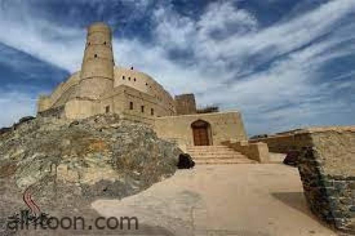 قلعة بهلاء العُمانية تعاصر الحضارات -صحيفة هتون الدولية