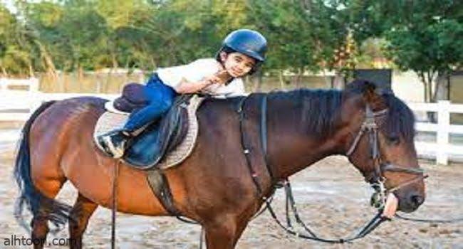 الطفل وركوب الخيل -صحيفة هتون الدولية-