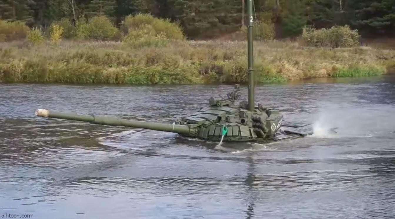 شاهد: جندي يقود دبابة تحت الماء - صحيفة هتون الدولية