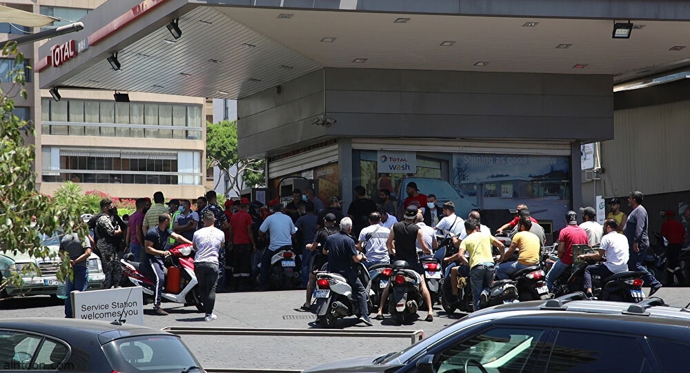 شاهد: لبناني يتنكر في زي امرأة - صحيفة هتون الدولية