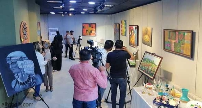 ريشة عبير جبريل تجسد واقع المرأة بقطاع غزة