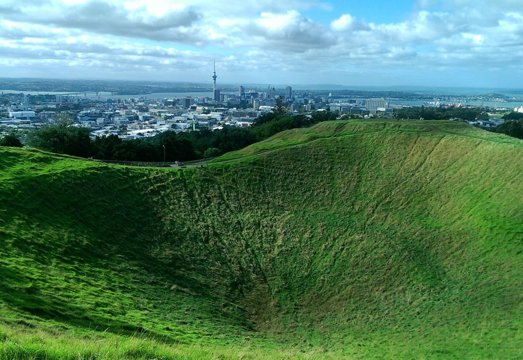 Mt Eden Volcano, free things to do in Auckland, things to do in Auckland