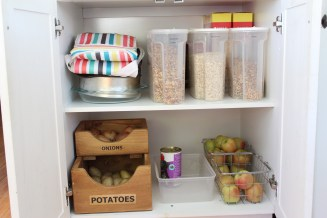 pantry-bottom-after