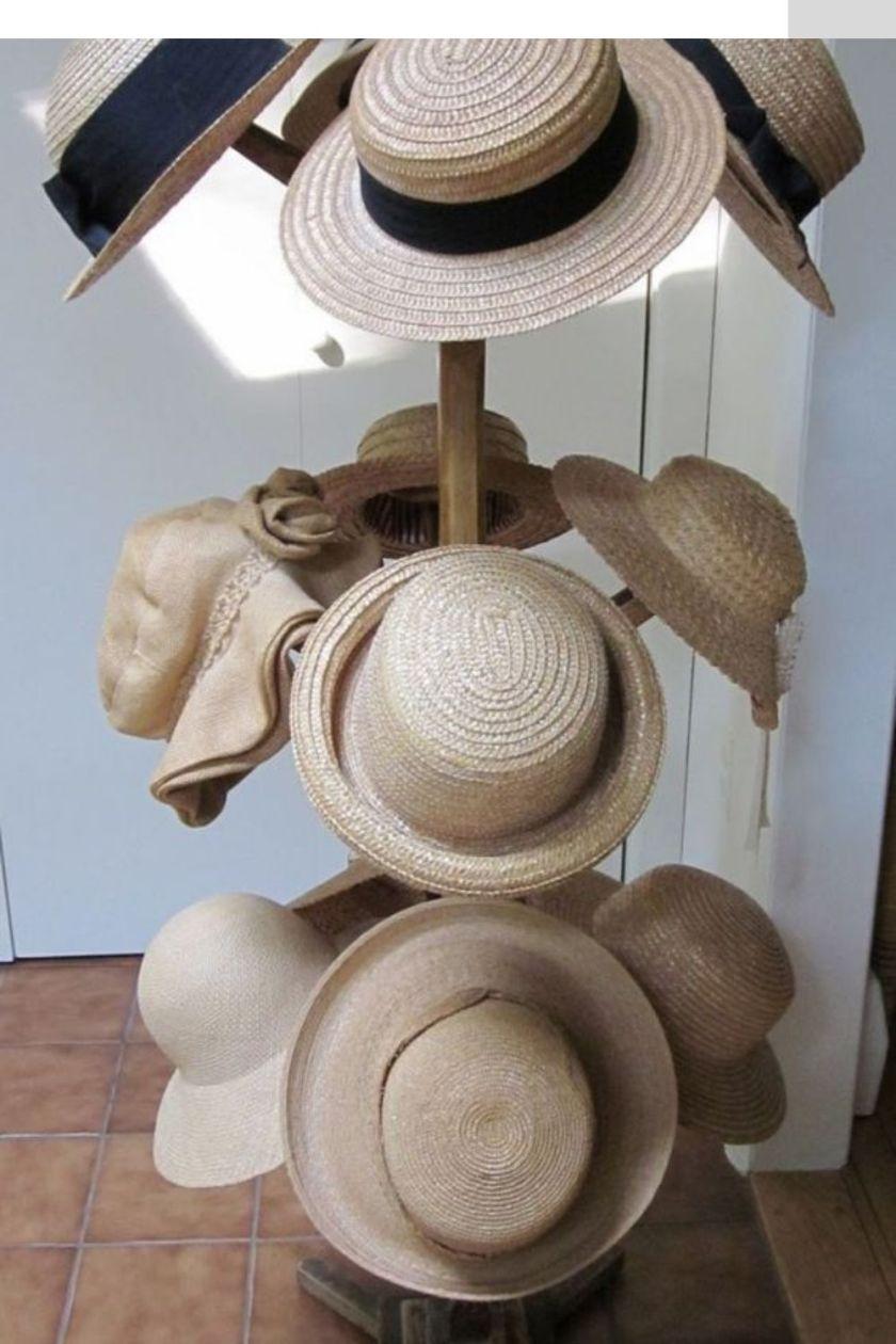 wall mounted hat display
