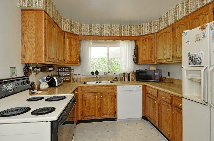 kitchen design and cabinets before remodel
