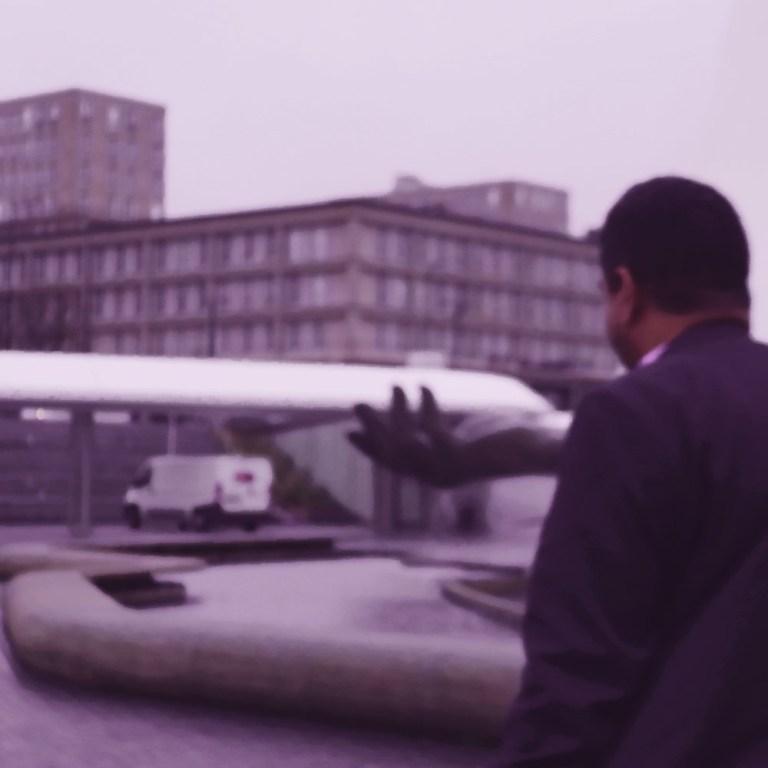 La main de la liberté, fontaine d'Oscar Niemeyer