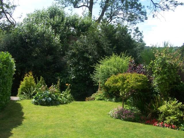 Malvern Gardens, Worcestershire England: f/4; Exposure 1/500sec