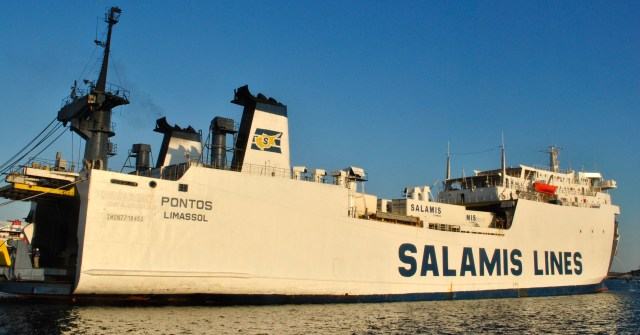 Salamis Lines in Lavrio's Port: f/25; Exposure 1/100sec; ISO-200