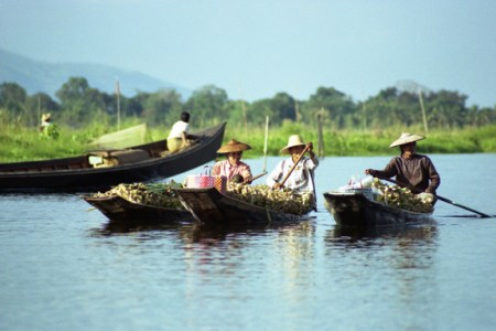 lake-ladies-burma
