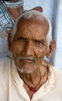 old-man-udaipur